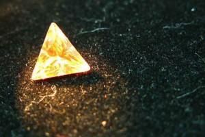 珠宝咖规避微商泡沫:移动端靠圈子卖珠宝